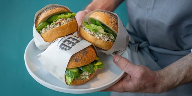 """חדשות האוכל: סעודות בשרים שיתופיות בפ""""ת, ומסעדת טאבון בעכו"""