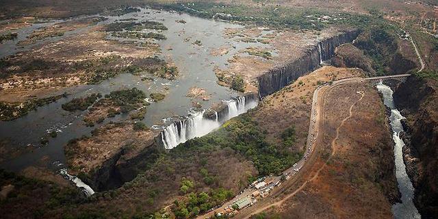 משבר האקלים עצר כמעט לחלוטין את זרימת המים במפלי ויקטוריה