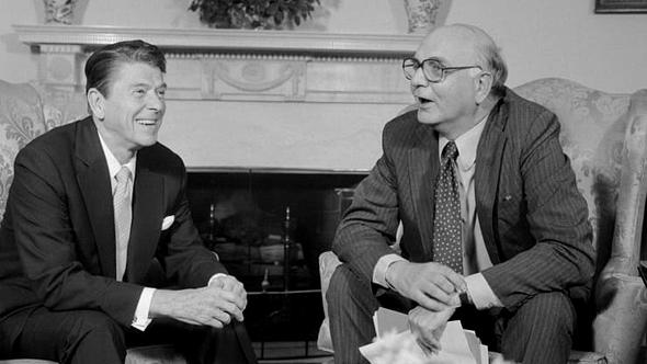 פול וולקר והנשיא רונלד רייגן בשנת 1981, צילום: גטי אימג