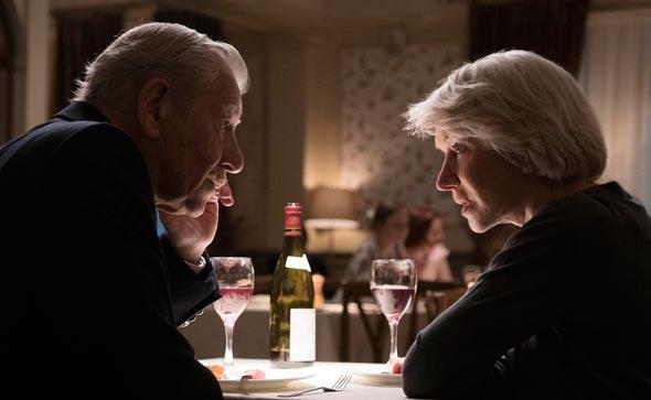 """הלן מירן ואיאן מקלן ב""""השקרן הטוב"""". מעשה התרמית הוא כלפי הצופים"""