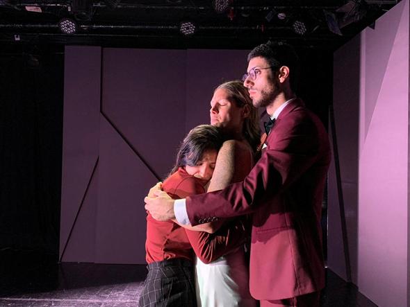 """""""רגליים קרות"""". גם למי שפחות מתחבר לתיאטרון, צילום: עמית לוי"""
