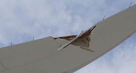 """מטוס דרימליינר 787 אל על נזק כנף פגיעה עמוד חשמל ב נחיתה ב לאס וגאס ארה""""ב"""