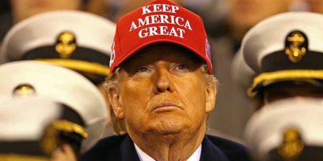 """דונלנד טראמפ נשיא ארה""""ב ביקור בצי , צילום: רויטרס"""