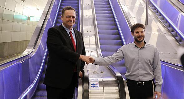משמאל ישראל כץ בצלאל סמוטריץ' קו רכבת ירושלים תל אביב, צילום: ששון תירם