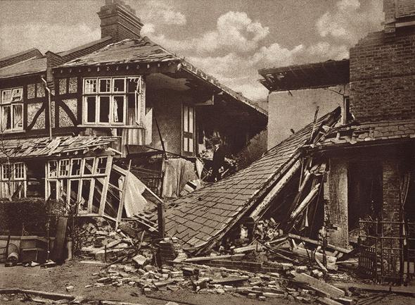 בית מגורים שהושמד מפגיעה ישירה של הפצצת גותה, צילום: שאטרסטוק