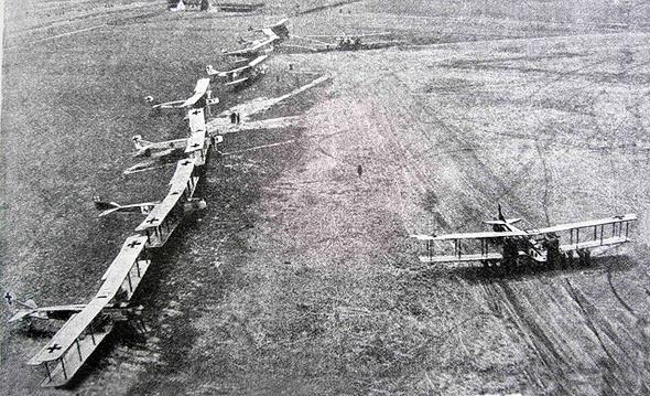ליין מפציצי גותה, צילום: militaryhistory
