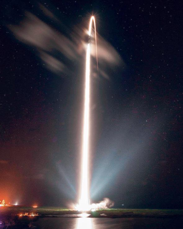 שיגור רקטה מסוג פלקון של חברת SpaceX, ציום: SpaceX