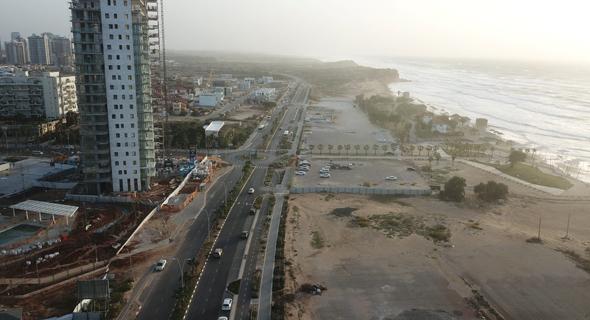 קו החוף של חדרה. מכירת השטח לאסיה נועדה לפיתוח חוף הים, צילום: יאיר שגיא