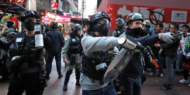 המחאות האלימות בהונג קונג הבריחו את יצרני אורות החג לשנגחאי