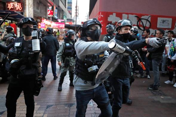 הפגנה בהונג קונג אתמול, צילום: איי פי