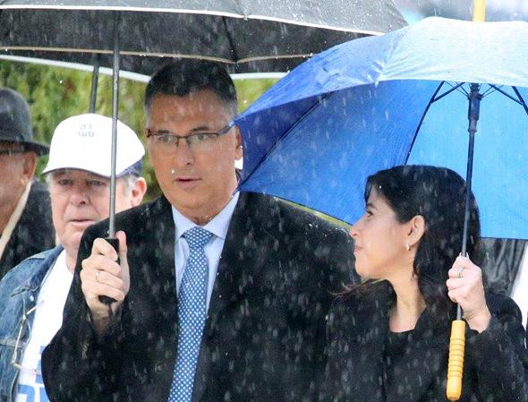 גדעון סער גאולה אבן פריימריס לרשות מפלגת הליכוד, צילום: מוטי קמחי