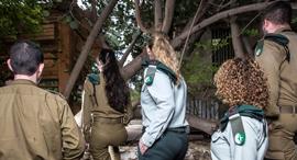"""חיילים ב יחידת 8200 צה""""ל, צילום: אביגיל עוזי"""