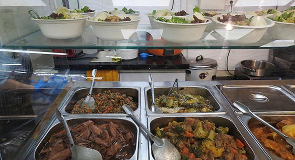 דוכן אוכל רחוב, צילום: דור זומר