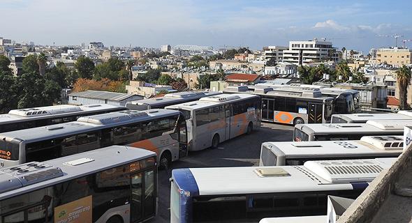 מסוף האוטובוסים בתחנה המרכזית בתל אביב, צילום: דור זומר