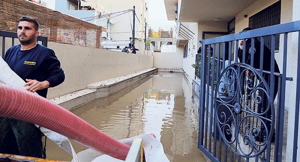 ההצפה בבניין ברח' נדב בתל אביב שבו אירע האסון