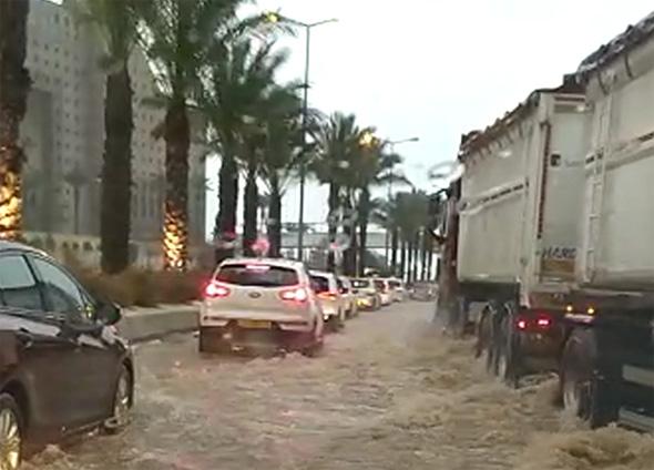 הצפות בחיפה, היום, צילום: שמעון לוי