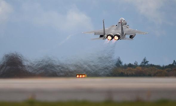 F15 אמריקאי ממריא