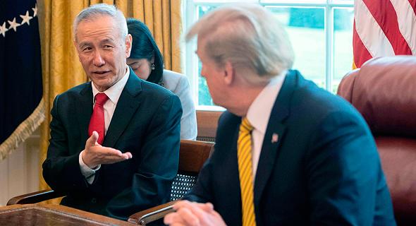 דונלד טראמפ סגן ראש ממשלת סין  Liu He אפריל 2019, צילום: איי אף פי