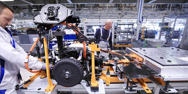 בפעם הראשונה מאז מלחמת העולם השנייה: פולקסווגן תפסיק לייצר מכוניות באירופה