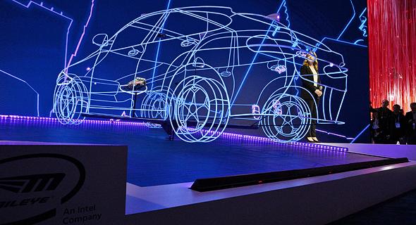 הטכנולוגיה של מובילאיי במסיבת עיתונאים בתערוכת הטכנולוגיה CES, צילום: Walden Kirsch/Intel Corporation