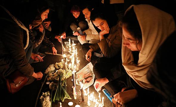 מפגינים באיראן בעקבות הפלת המטוס האוקראיני, צילום: איי פי