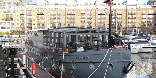 רוצים לגור בסירה בלונדון? תראו כמה זה יעלה לכם