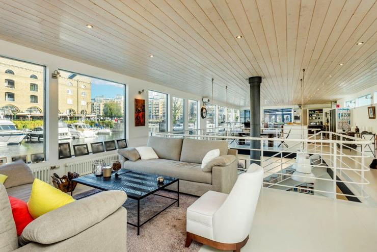 חדר אירוח בסיפון העליון, צילום: RIVERHOMES
