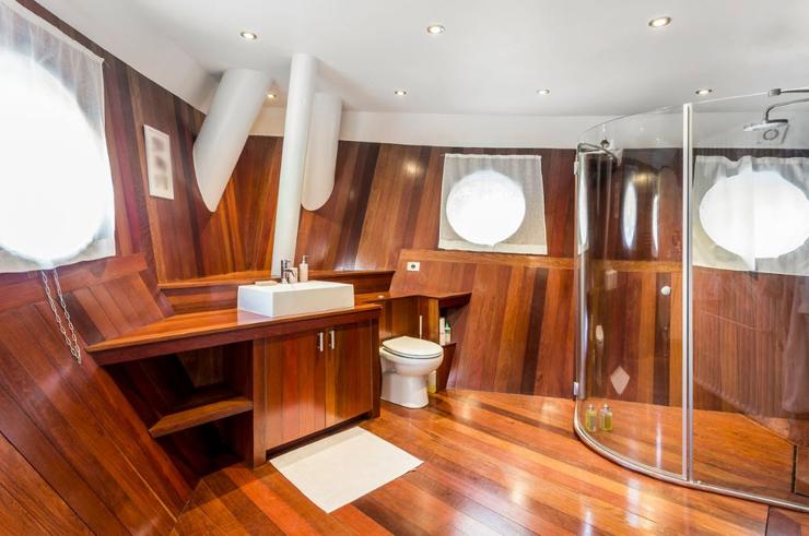 חדר אמבטיה, צילום: RIVERHOMES