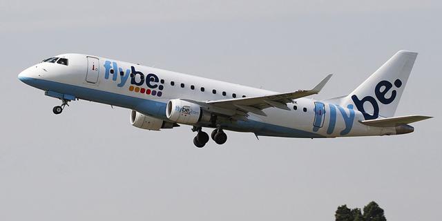 דיווח: ממשלת בריטניה שוקלת להעביר כספים לחברת התעופה Flybe שבסכנת פירוק