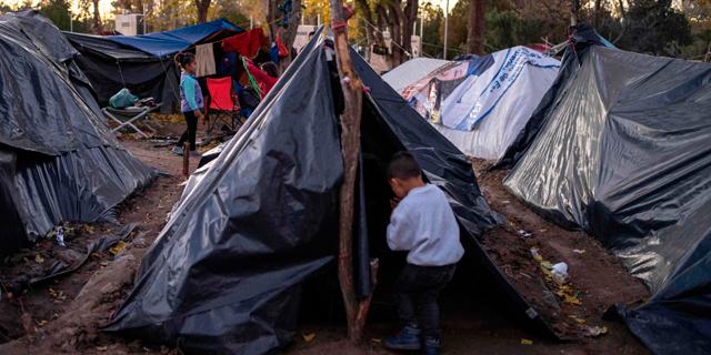 פליטים. הקורונה תגדיל את שיעור ההגירה, צילום: איי אף פי