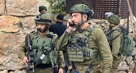 """לוחמים בזירת הפיגוע בחברון, צילום: דובר צה""""ל"""