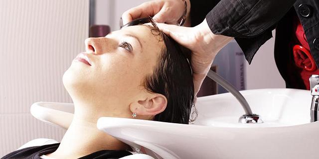 חלה במחלת עור לאחר חשיפה לצבעי לשיער - וקיבל אחוזי נכות
