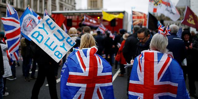 בריטניה והאיחוד האירופי הסכימו לדחות שוב את המועד להשגת הסכם הסחר