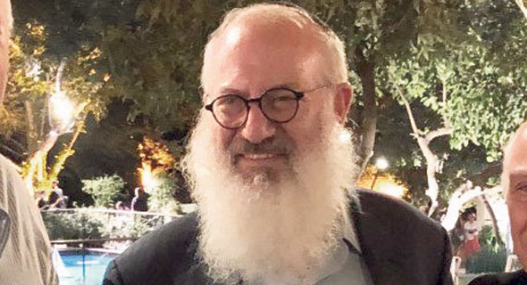 אדוארדו אלשטיין, בעל השליטה באי.די.בי
