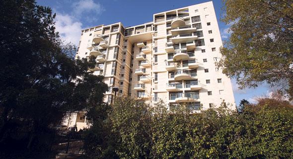 הבניין ברחוב ורדיה 8. התוכנית המקורית לקרקע היתה מלון בן 308 חדרים, צילום: אלעד גרשגורן