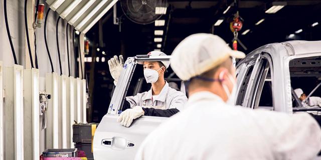 סין: צניחה של 22% במכירות כלי רכב בינואר