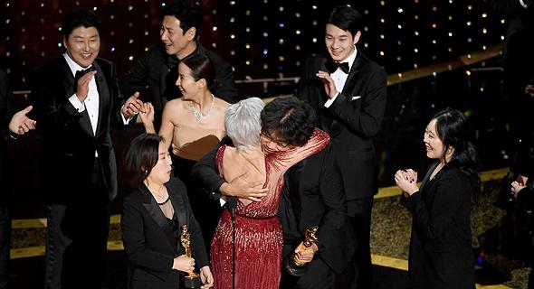 """""""פרזיטים"""" זוכה בפרס הסרט הטוב ביותר באוסקר"""