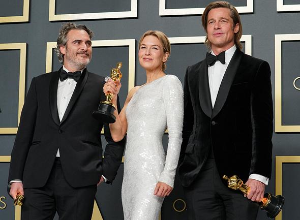הזוכים: בראד פיט - שחקן המשנה; רנה זלווגר - השחקנית הראשית; חואקין פיניקס - השחקן הראשי