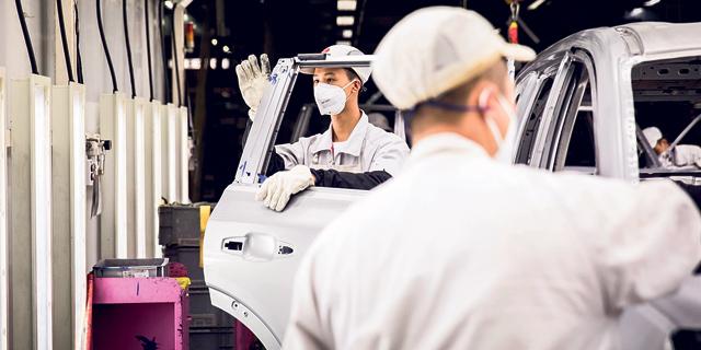 פסי ייצור הרכב של קונצרן PSA ויונדאי קיה בגרמניה ובקוריאה שותקו