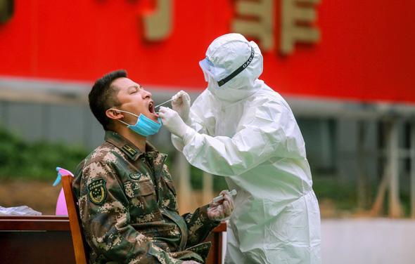 בדיקת קורונה לצבא סין
