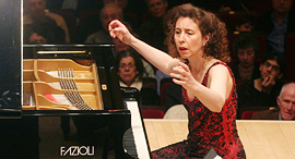 אנג'לה יואיט פסנתרנית פסנתר פזיולי Fazioli F278, צילום: גטי אימג'ס
