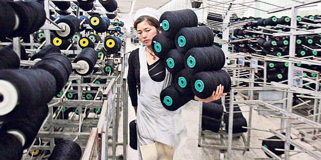 השבתת 400 אלף עובדי טקסטיל בווהאן מפילה את הענף העולמי