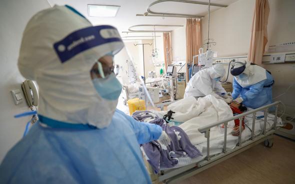 חולה קורונה בבית חולים במחוז חוביי