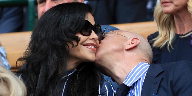ג'ף בזוס וחברתו לורן סנצ'ז מתנשקים ב ווימבלדון, צילום: גטי אימג'ס