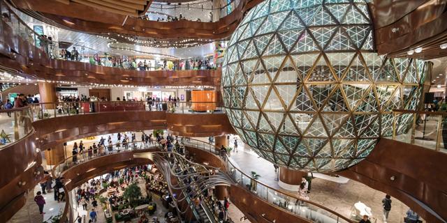 בעלי חנויות מיואשים השביתו 70% מהקניונים בהונג קונג