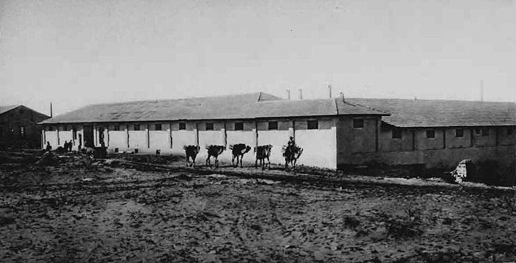 בית החרושת של האחים לבקוביץ - שימש כמקום המסתור לסליק הראשון של ההגנה, צילום: אוסף אברהם סוסקין