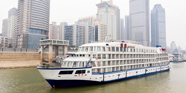 סין: שבע ספינות נופש יאכלסו את הצוותים הרפואיים בווהאן
