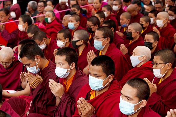 נזירים בקטמנדו