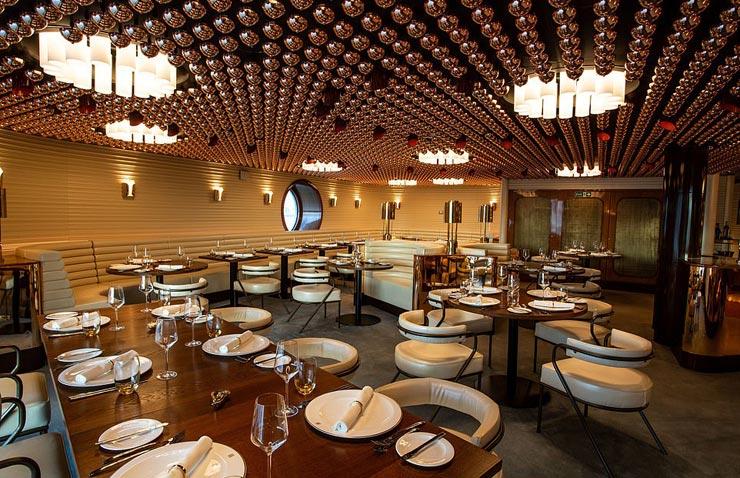 אחד מחדרי האוכל, צילום: Virgin Voyages