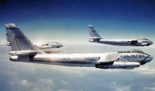 מבנה B47 בטיסה, צילום: USAF